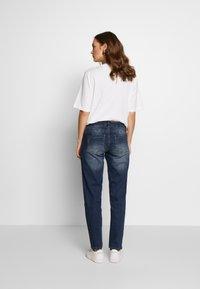 MAMALICIOUS - MLCELIA BOYFRIEND JEANS  - Relaxed fit jeans - medium blue denim - 2