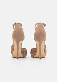 Guess - FINNEE - Sandaler med høye hæler - nude - 3