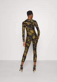 Versace Jeans Couture - GYM - Mono - black/gold - 2