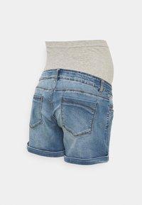 MAMALICIOUS - MLYORK - Denim shorts - medium blue denim - 1