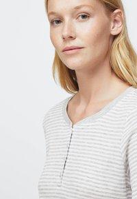 OYSHO - STRIPED - Nattøj trøjer - grey - 4