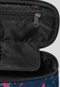 Eastpak - PARADISE GARDEN/AUTHENTIC - Wash bag - blue - 3