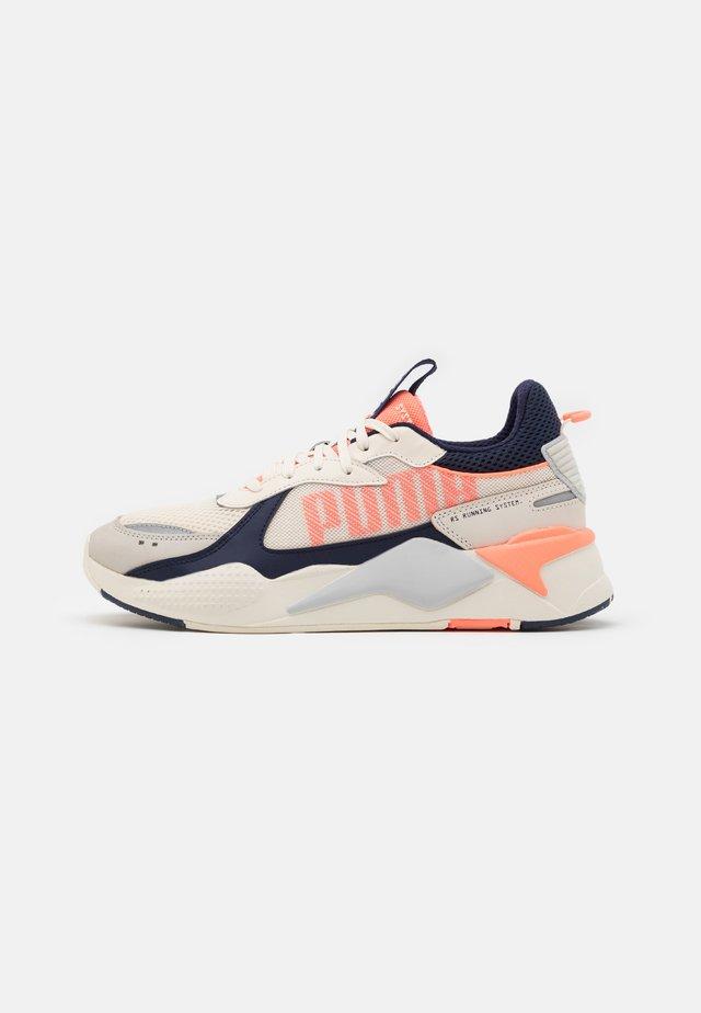 RS-X BOLD - Trainers - whisper white/enrgy peach