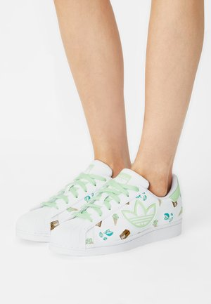 SUPERSTAR  - Sneakers basse - white/glory mint