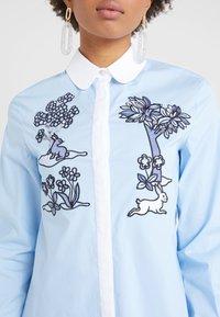 Vivetta - CAMICIA - Button-down blouse - celeste - 5