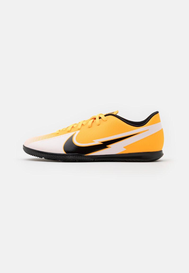 Nike Performance - MERCURIAL VAPOR 13 CLUB IC - Indoor football boots - laser orange/black/white