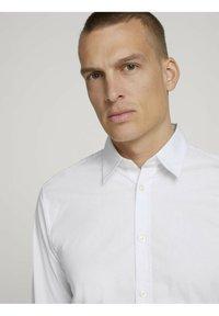 TOM TAILOR - Formal shirt - white - 3