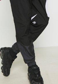 Nike Sportswear - PANT - Spodnie treningowe - black/anthracite/white - 2