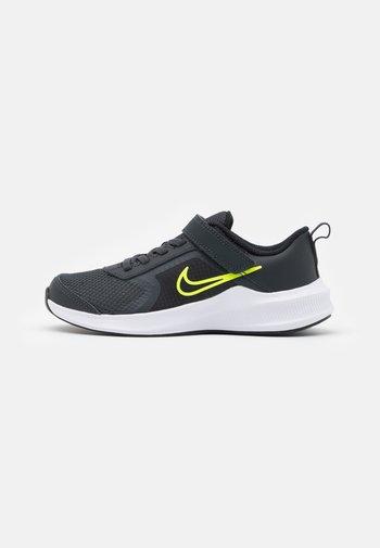 DOWNSHIFTER 11 UNISEX - Neutral running shoes - dark smoke grey/volt/black/white