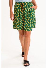 UVR Berlin - A-line skirt - grün mit gelbem blütenprint - 0