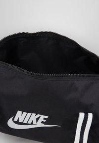 Nike Sportswear - HERITAGE - Sports bag - black/white - 4