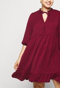 New Look Curves - HERRINGBONE SMOCK DRESS - Denní šaty - rust - 4