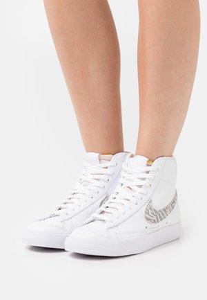 BLAZER 77 - High-top trainers - white/summit white/particle grey/black
