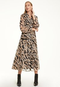 comma - Shirt dress - black zebra lines - 4