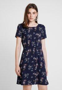 Vero Moda - AUTUMN AMAZE SHORT DRESS - Day dress - night sky - 0