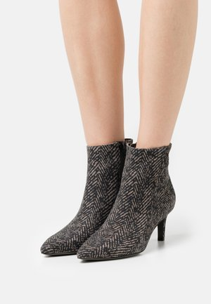 ENNY - Boots à talons - taupe
