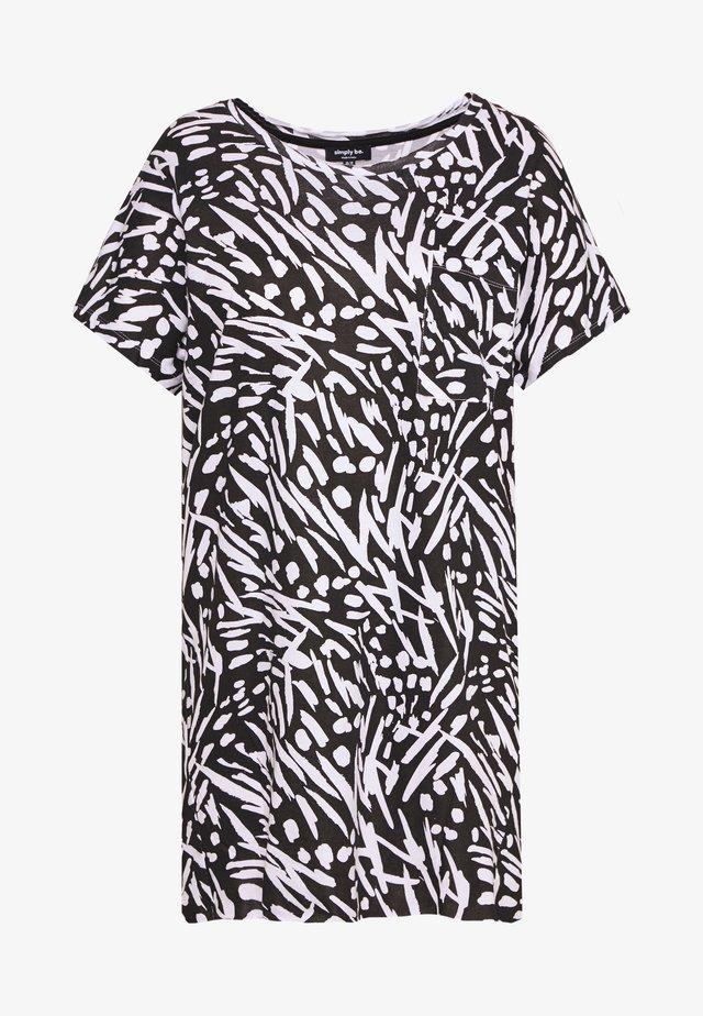VALUE DROP SHOULDER - T-shirt imprimé - black/white