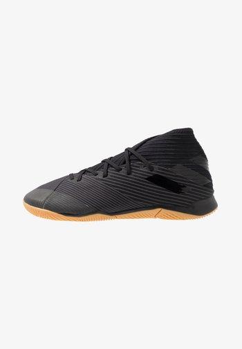 NEMEZIZ 19.3 IN - Indoor football boots - core black/utility black