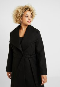 CAPSULE by Simply Be - LONGLINE BELTED WRAP COAT - Abrigo - black - 3
