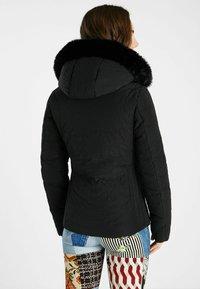 Desigual - SLIM PADDED JACKET HOOD - Winter jacket - black - 2