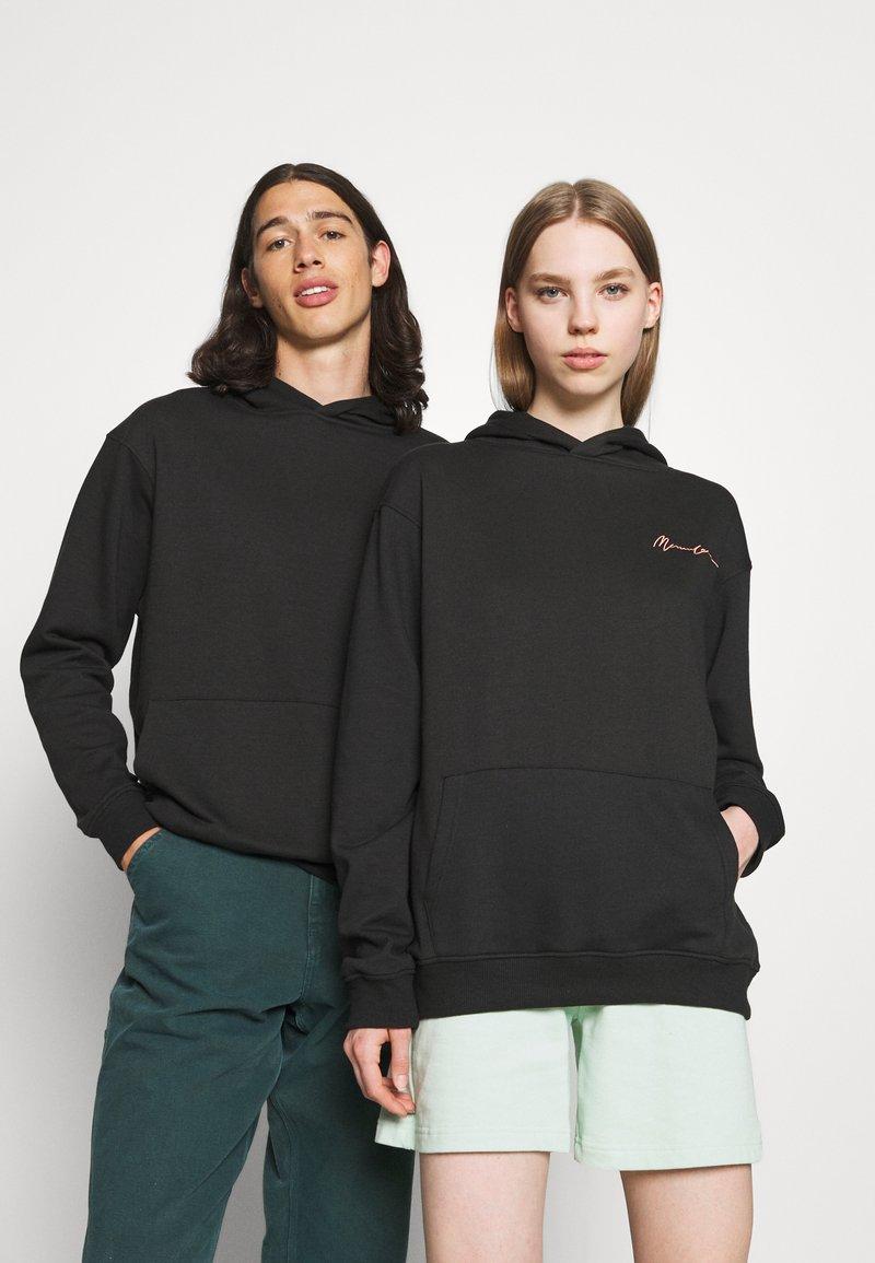 Mennace - ESSENTIAL REGULAR HOODIE UNISEX - Sweatshirt - black