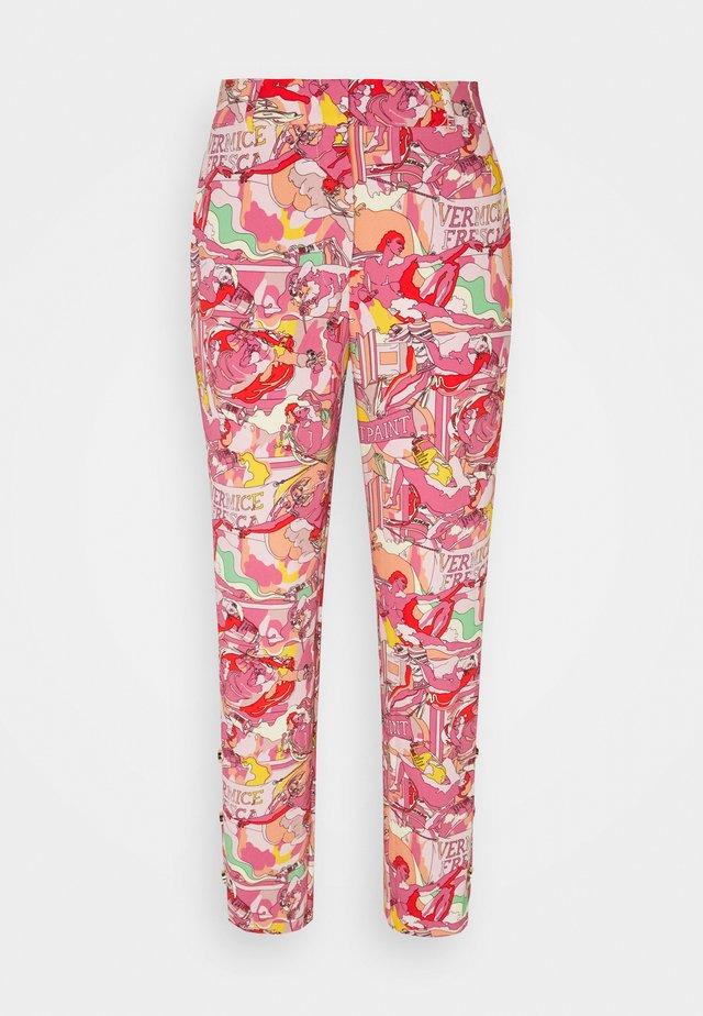 PANTALONE TESSUTO - Trousers - stampa fondo rosa