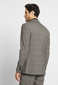 Isaac Dewhirst - CHECK SUIT - Costume - light brown - 3