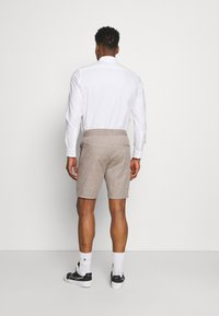 Only & Sons - ONSLINUS  LIFE CHECK - Shorts - chinchilla - 2