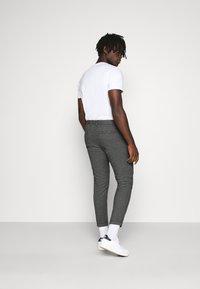 Redefined Rebel - ERCAN PANTS - Pantalon classique - black grindel - 2