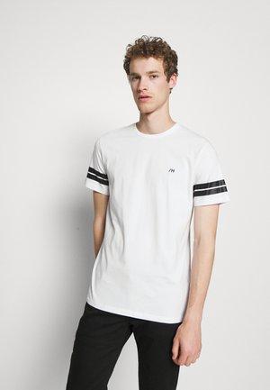 SLHREGPATO O NECK TEE - T-shirt med print - white