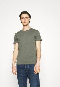 Burton Menswear London - 5 PACK - T-shirt - bas - multi - 4