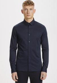 Matinique - MATROSTOL - Formal shirt - dark navy - 0