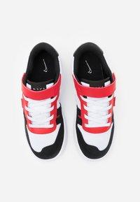 Nike Sportswear - SQUASH-TYPE UNISEX - Trainers - white/black/universitiy red - 3