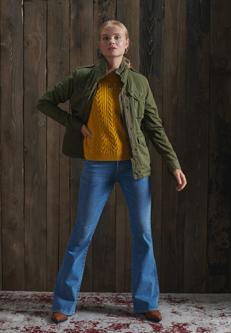 Superdry - DROPPED SHOULDER CABLE CREW NECK - Jumper - boston yellow