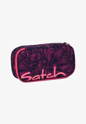 Pencil case - pink bermuda