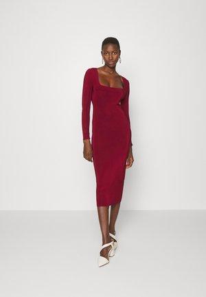 Sukienka z dżerseju - burgundy