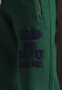 Superdry - Tracksuit bottoms - willow green grit - 2