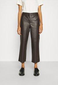 mine to five TOM TAILOR - PANTS - Pantalones - dark oak brown - 0