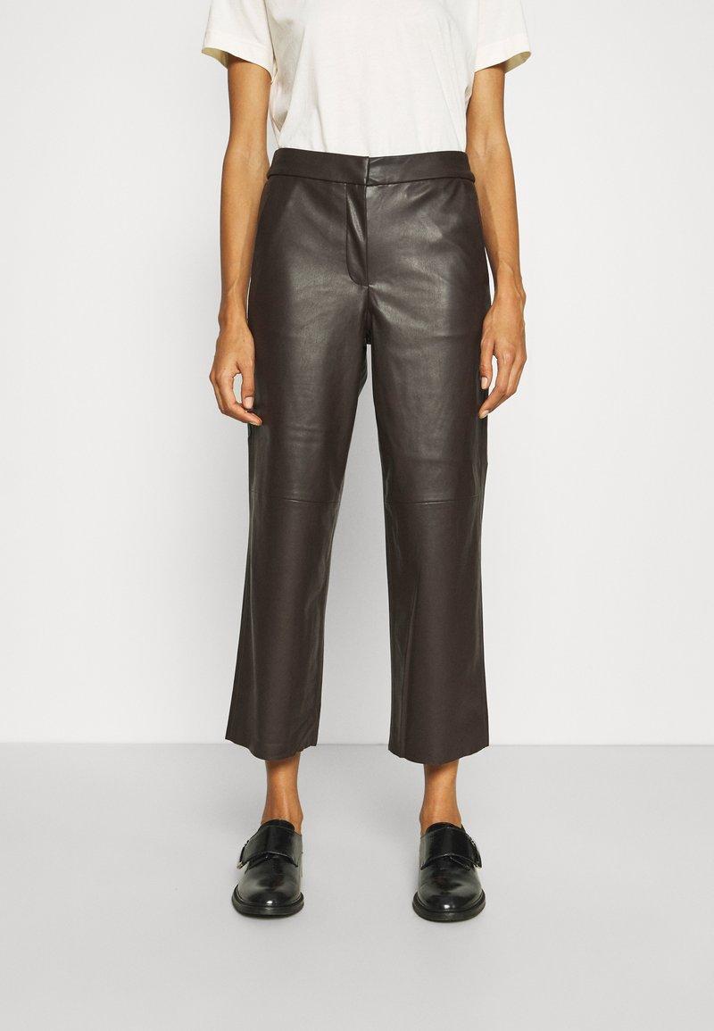 mine to five TOM TAILOR - PANTS - Pantalones - dark oak brown
