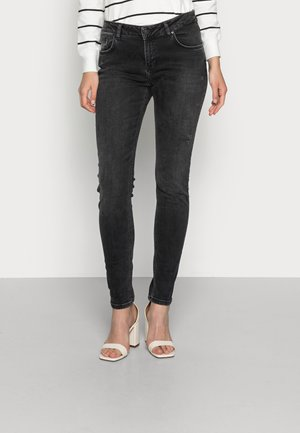 MIKA  - Relaxed fit jeans - senia wash