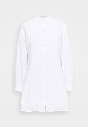 BUTTON UP DRESS - Denní šaty - white