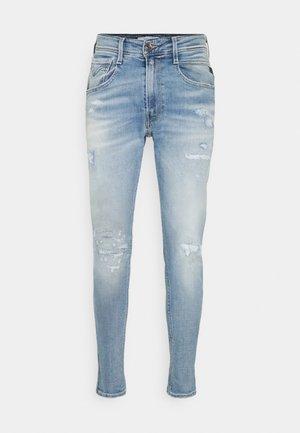 BRONNY AGED - Slim fit jeans - indigo