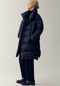 Massimo Dutti - Winter coat - black - 3