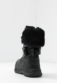 UGG - TAHOE - Bottes de neige - black - 5