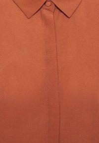 Bruuns Bazaar - LILLIE CORINNE  - Camicia - cinnamon - 2