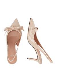 BOSS - EDDIE SLING 70 BOW-P - Classic heels - light beige - 3