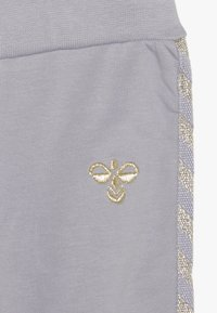 Hummel - HMLMARGRET PANTS - Trousers - lilac/gray - 3