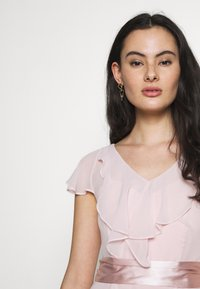 Dorothy Perkins - RILEY RUFFLE DETAIL SOFT SLEEVE MAXI DRESS - Společenské šaty - blush - 3