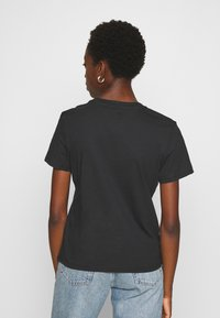 Tommy Jeans - REGULAR C NECK - Jednoduché triko - black - 2