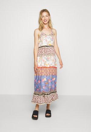 YASEDINA ANCLE DRESS PETITE - Vestido largo - sandshell/edina